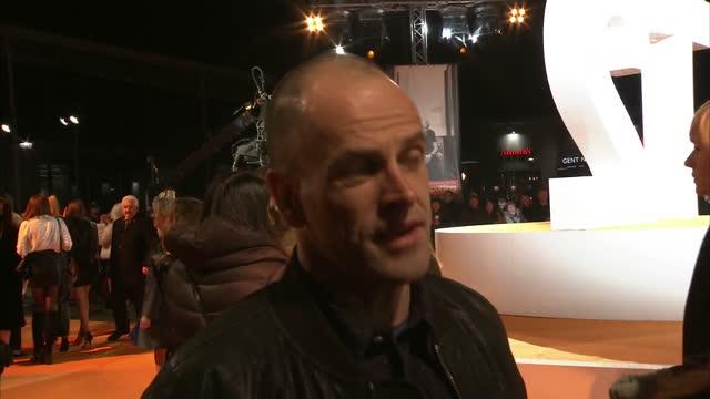 vídeos y material grabado en eventos de stock de exterior interview with the actor jonny lee miller at the trainspotting 2 premiere on january 22, 2017 in edinburgh, scotland. - jonny lee miller