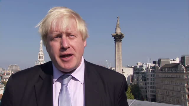 exterior interview with the london mayor boris johnson on why zac goldsmith would make the ideal mayoral candidate on october 02 2015 in london... - bürgermeister stock-videos und b-roll-filmmaterial