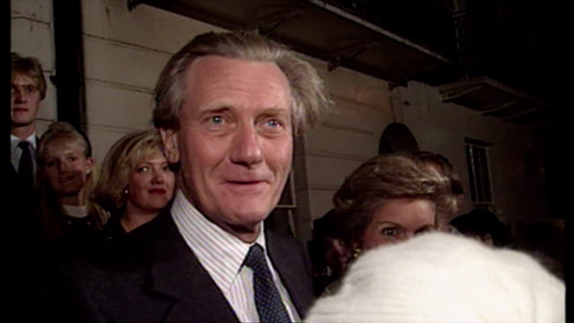 exterior night shot michael heseltine mp leaving his home after loosing the conservative leadership race to john major. he says 'tomorrow will dawn... - 1990 stock videos & royalty-free footage