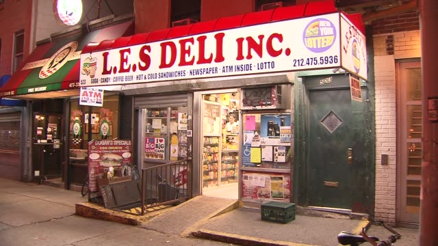 exterior of a deli in lower manhattan on september 19 2013 in new york new york - デリカッセン点の映像素材/bロール