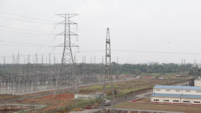 exterior of azura thermal power station a natural gas powered electricity generation plant in edo nigeria - power line stock videos & royalty-free footage