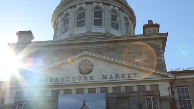exterior of bonsecours market. outdoor shots of montreal in the wintertime. - vieux montréal stock-videos und b-roll-filmmaterial