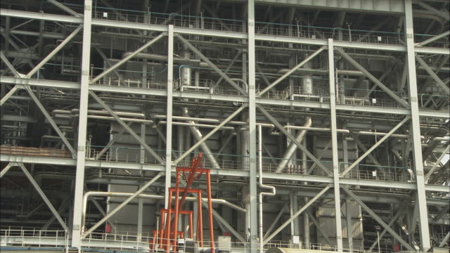 ms la exterior of building at huaneng yuhuan ultra supercritical power plant, yuhuan county, zhejiang, china - girder stock videos & royalty-free footage