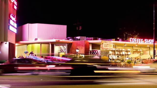 ws t/l exterior of classic 1950s coffee shop with outdoor seating / burbank, california, usa. - バーバンク点の映像素材/bロール