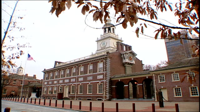 exterior of independence hall in philadelphia pa - independence hall stock videos and b-roll footage