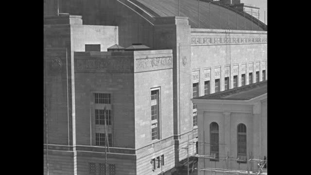 vidéos et rushes de vs exterior of municipal auditorium / note exact month/day not known - 1930