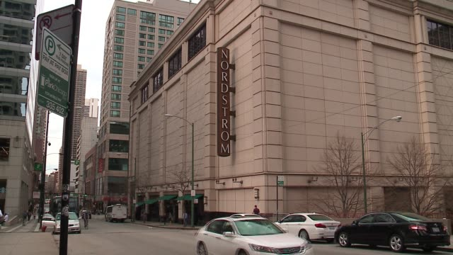 stockvideo's en b-roll-footage met wgn exterior of nordstrom department store on the grand avenue side in chicago on may 18 2017 - nordstrom