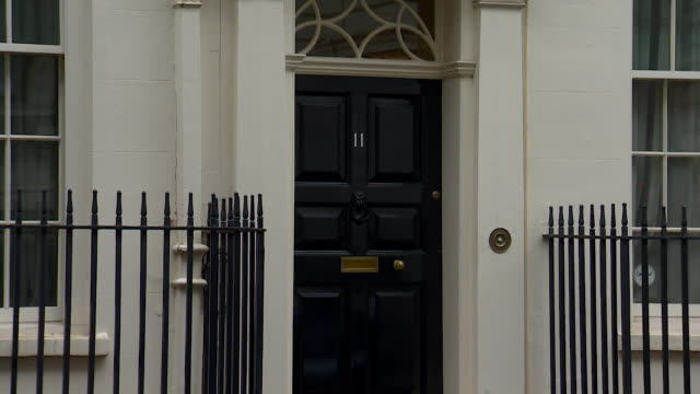 exterior of number 11 downing street - number stock videos & royalty-free footage
