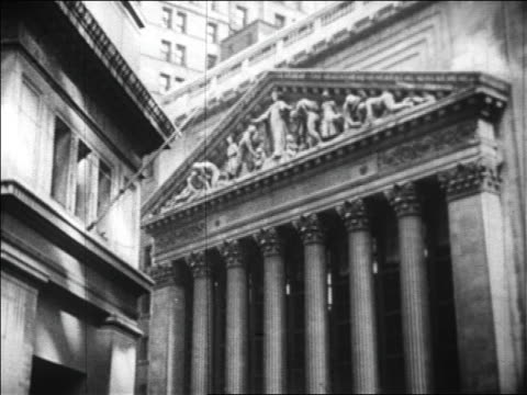 exterior of ny stock exchange on wall street / nyc / newsreel - 1929 stock videos & royalty-free footage