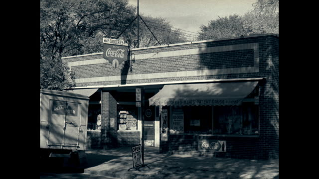 WS Exterior of shop / United States