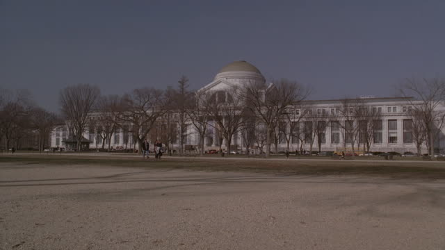 PAN Exterior of Smithsonian Institute from the National Mall / Washington D.C., United States