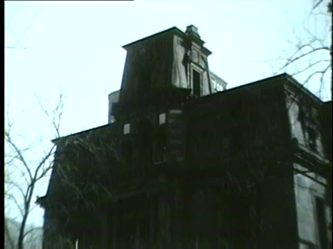 exterior of the old mccormick mansion in chicago in 1954 - 1954 bildbanksvideor och videomaterial från bakom kulisserna