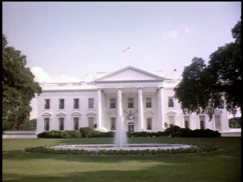 vidéos et rushes de 1963 ws exterior of the white house / washington d.c., united states - la maison blanche