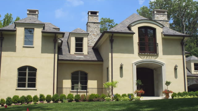ws exterior of two-story suburban home / tenafly, new jersey, usa - 邸宅点の映像素材/bロール