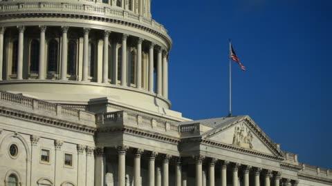 exterior of united states capitol building in washington, d.c., u.s., on wednesday, september 4, 2019. - fronton bildbanksvideor och videomaterial från bakom kulisserna