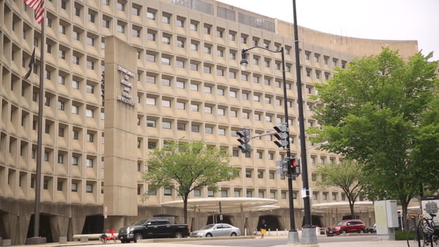 exterior of us housing and urban development headquarters washington dc district of columbia us on friday august 23 2019 - fensterfront stock-videos und b-roll-filmmaterial