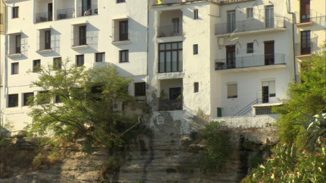 ms exterior of white spanish villa, ronda, malaga andalucia, spain - campo totale video stock e b–roll
