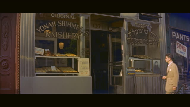 ms exterior of yonah schimmel knish bakery / new york city, new york state, united states - ladenschild stock-videos und b-roll-filmmaterial