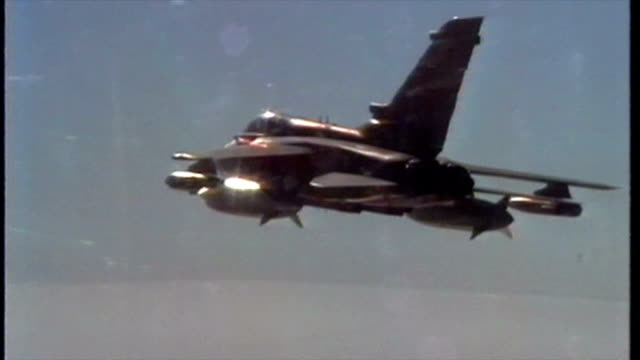 exterior point of view cockpit shots of raf tornados in flight over desert during the first gulf war campaign on february 6, 1991 in kuwait city,... - bay of water stock videos & royalty-free footage
