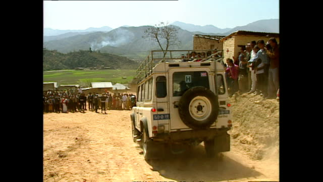 exterior princess diana princess of wales leaving panauti red cross project in car during her royal visit on 5 march 1993 panauti nepal - nepal stock-videos und b-roll-filmmaterial