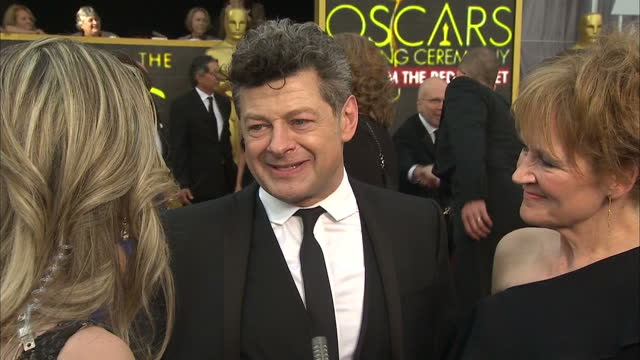 exterior shot andy serkis, actor on academy awards red carpet talking about attending events on oscars weekend. on february 28, 2016 in hollywood,... - andy serkis stock videos & royalty-free footage