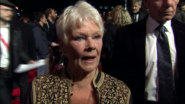 vidéos et rushes de exterior shot dame judi dench actress talks about philomena lee she says he is a remarkable person and she hopes that they have done philomena... - judi dench