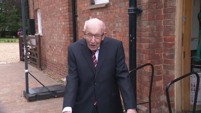 GBR: The 100-year-old World War Two veteran Captain Tom Moore has been knighted by the Queen