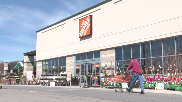 Exterior Shot Of Home Depot In Hawthorne New York Cu On Sign Pers