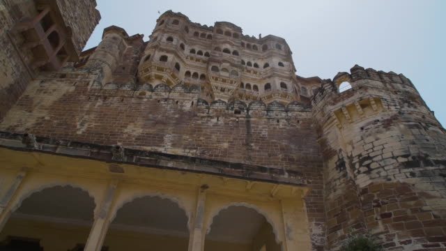 exterior shot of mehrangarh. - fortress stock videos & royalty-free footage