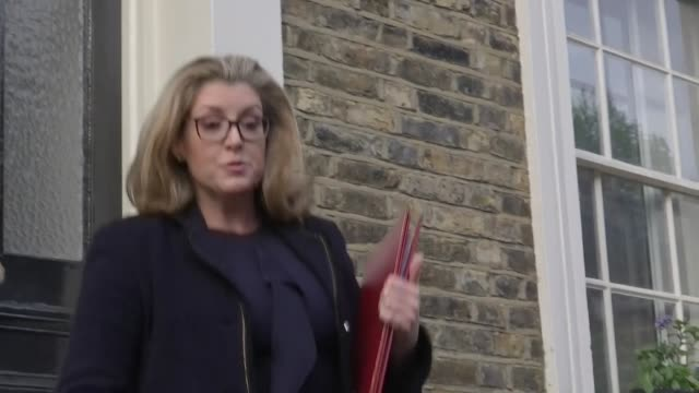 exterior shot of penny mordaunt mp reaction to being promoted to secretary of defence in london on 2 may 2019 united kingdom - segretario della difesa video stock e b–roll