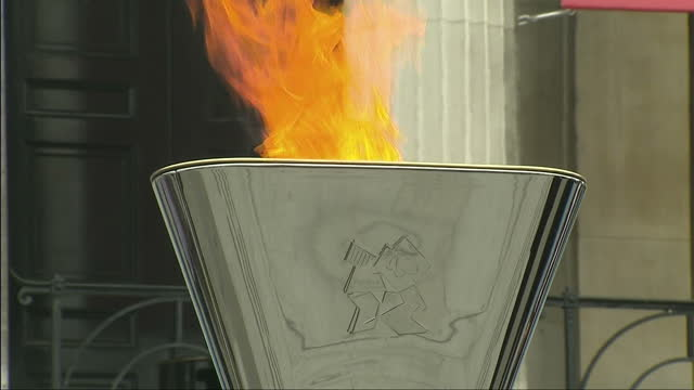 exterior shot paralympic flame burning in cauldron paralympic cauldron burning in trafalgar sqaure on august 24 2012 in london england - olympic torch stock videos & royalty-free footage
