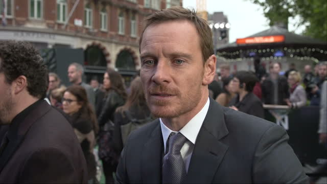 exterior shots alien: covenant film premiere in leicester square, michael fassbender, actor talking to press on red carpet in london, england on... - リドリー・スコット点の映像素材/bロール