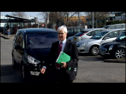 exterior shots alistair darling arriving at the sky news building ahead of an interview where he will tell sky's adam boulton that he will have a few... - letterbox format stock videos & royalty-free footage