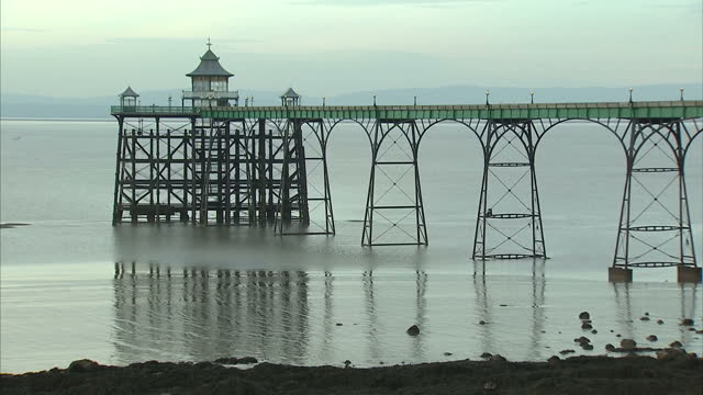 exterior shots clevedon pier and seafront with people walking around. on december 20, 2016 in clevedon, united kingdom. - clevedon pier stock videos & royalty-free footage