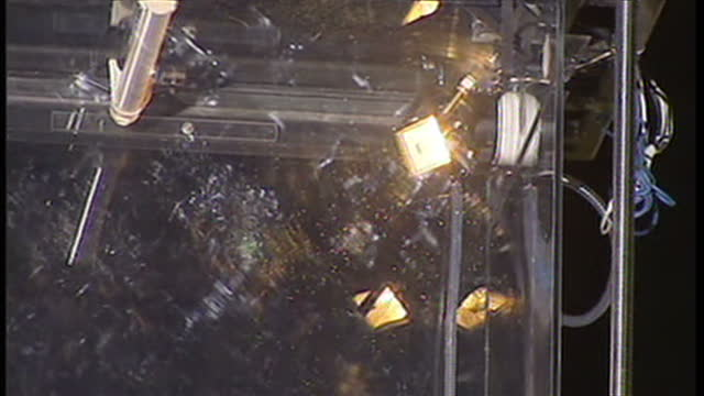 exterior shots david blaine reading a book inside glass box on july 14 2014 in london england - 手品師点の映像素材/bロール