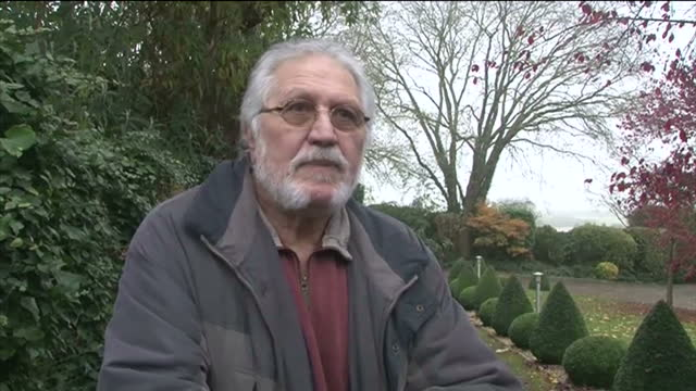 exterior shots dj dave lee travis gives statement to the media after being released by the police dave lee travis statement on november 16 2012 in... - レイトンバザード点の映像素材/bロール