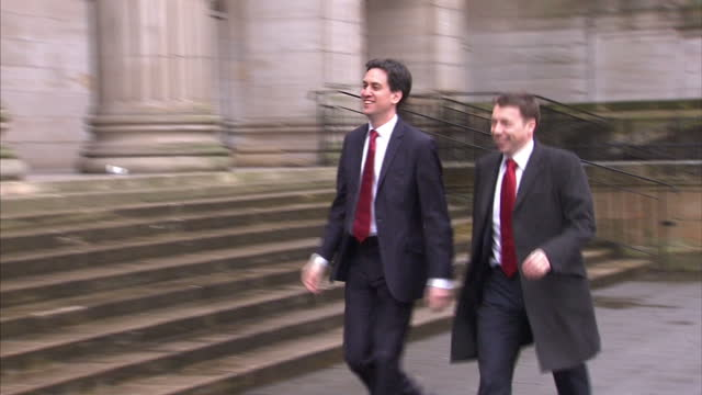 stockvideo's en b-roll-footage met exterior shots ed miliband mp arriving at scottish labour party conference ed miliband at scottish labour party conference on march 03 2012 in dundee... - britse labor partij