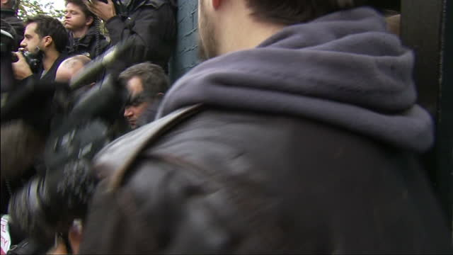 exterior shots harry styles, one direction, arrives at band aid 30 recording. - 2014 stock-videos und b-roll-filmmaterial