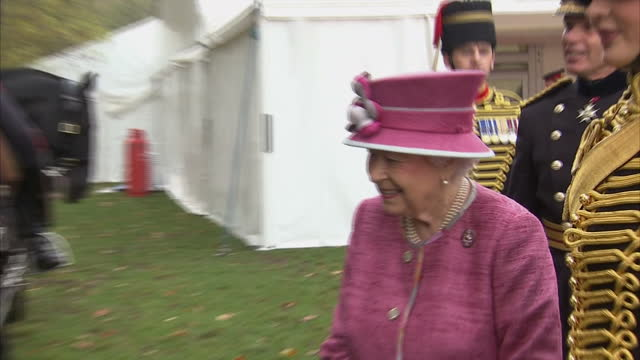 exterior shots her majesty the queen marks 70 years of the king's troop royal horse artillery the queen greets various senior officers of the kings... - royal horse artillery stock videos and b-roll footage