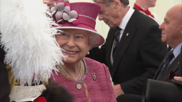 exterior shots her majesty the queen marks 70 years of the king's troop royal horse artillery the queen greets various senior officers past and... - queen royal person stock videos & royalty-free footage