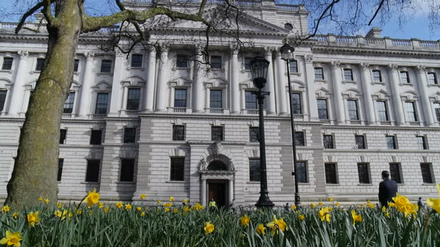 exterior shots hm treasury building on march 14 2016 in london england - finanzministerium stock-videos und b-roll-filmmaterial