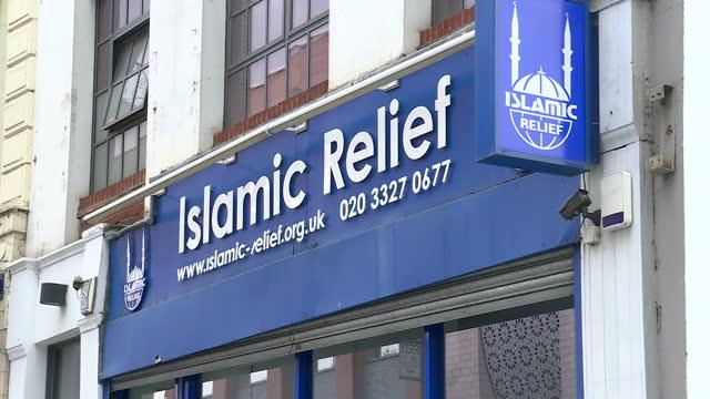 vídeos de stock, filmes e b-roll de exterior shots islamic relief charity building on 29th august 2017 london england - islã