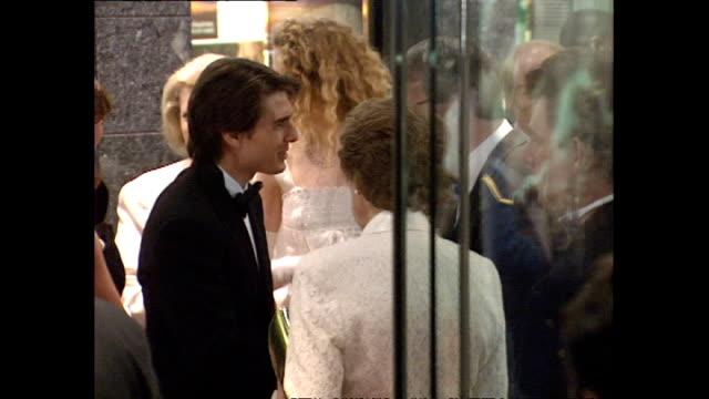 exterior shots john major and wife norma major depart far and away flm premiere - ノーマ メジャー点の映像素材/bロール