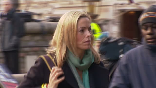 exterior shots kate mccann arrives at the queen elizabeth conference centre to hear the finding of the leveson report kate mccann arrives for the... - kate mccann stock-videos und b-roll-filmmaterial