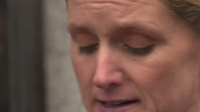 exterior shots kim leadbitter sister of murdered mp jo cox speaking outside the old bailey about the conviction of thomas mair on november 23 2016 in... - thomas mair stock videos and b-roll footage