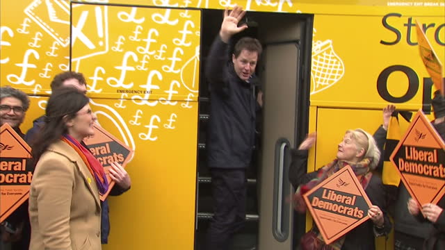 exterior shots nick clegg liberal democrat leader says goodbye to lib dem election candidate layla moran and liberal democrat supporters before... - ニック クレッグ点の映像素材/bロール