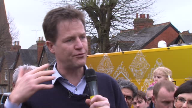 exterior shots nick clegg liberal democrat leader speaking as he launches the lib dem election campaign on march 29 2015 in abingdon united kingdom - ニック クレッグ点の映像素材/bロール