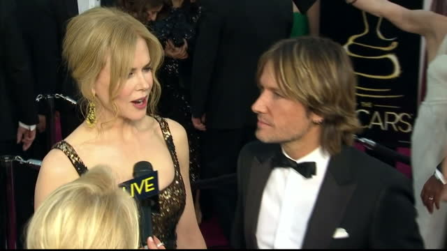 Exterior shots Nicole Kidman Keith Urban chat with reporters on the red carpet Nicole Kidman Keith Urban on the Red Carpet at Dolby Theatre on...