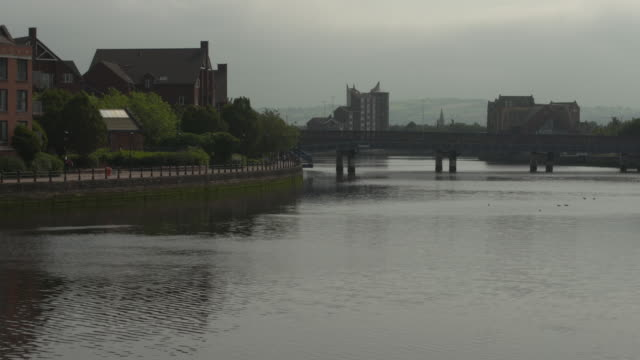 exterior shots of a bridge and river lagan on 4 september 2020 in belfast, northern ireland, united kingdom - river lagan stock videos & royalty-free footage