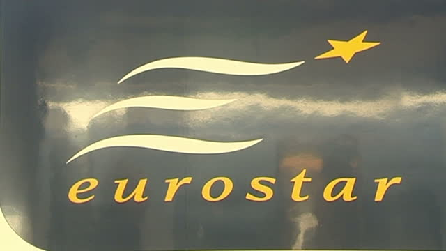 exterior shots of a eurostar train at st pancras train station gare du nord station eurostar sets new speed record on september 04 2007 in calais... - eurostar stock-videos und b-roll-filmmaterial